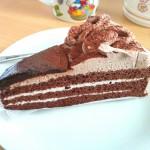甘すぎずさらりとしたチョコレートケーキ